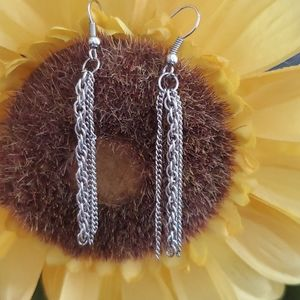 Chain dangle earrings